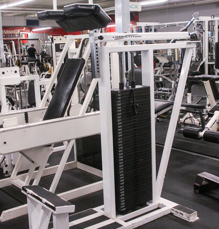 In terms of loading, there are plenty of plate-loaded machines, alongside a full complement of Kaiser hydraulic pieces and the Life Fitness computerized shoulder press that allows you to program the resistance on the positive and negative portions of the exercise.