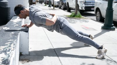 How (and Why) to Nail a One-Arm Push-Up in Six Weeks