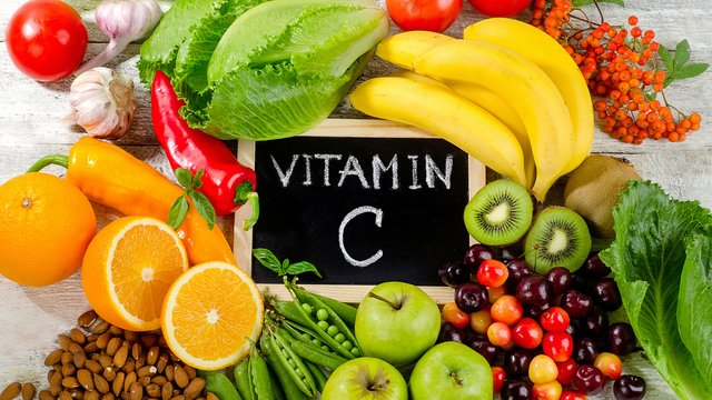 4 Reasons Why You Need Vitamin C in Your Life