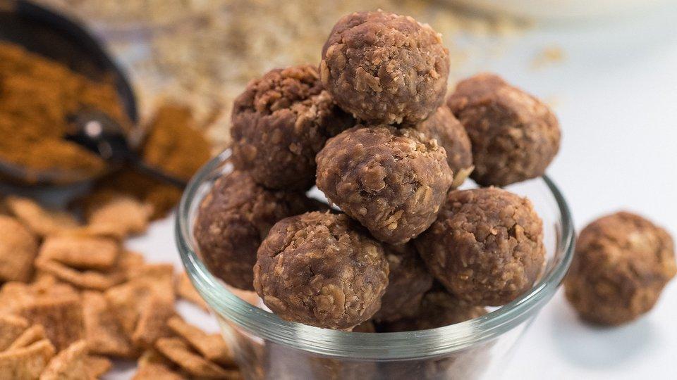 Cinna Cocoa Protein Bites