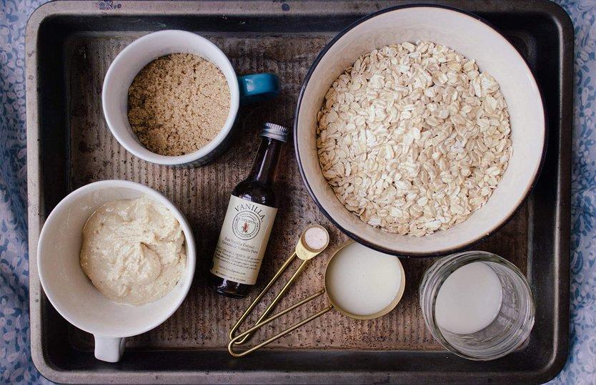 Vanilla Cinnamon Roll Protein Overnight Oats
