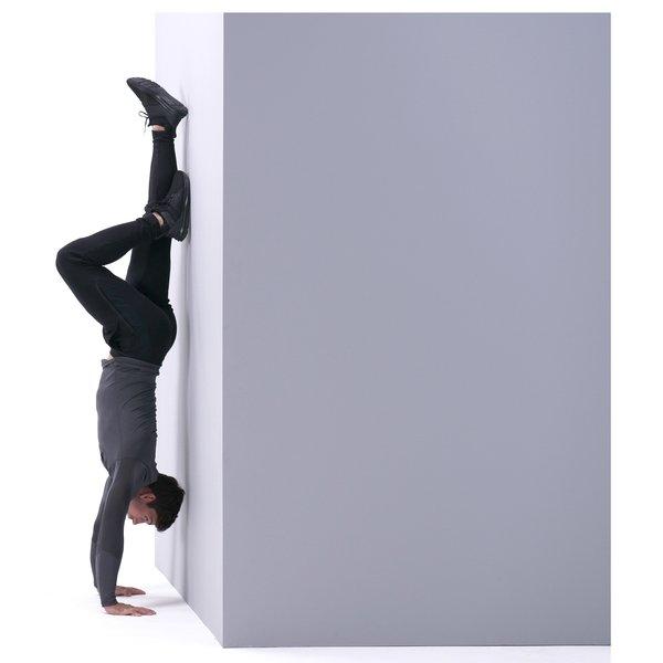 Handstand push-up thumbnail image