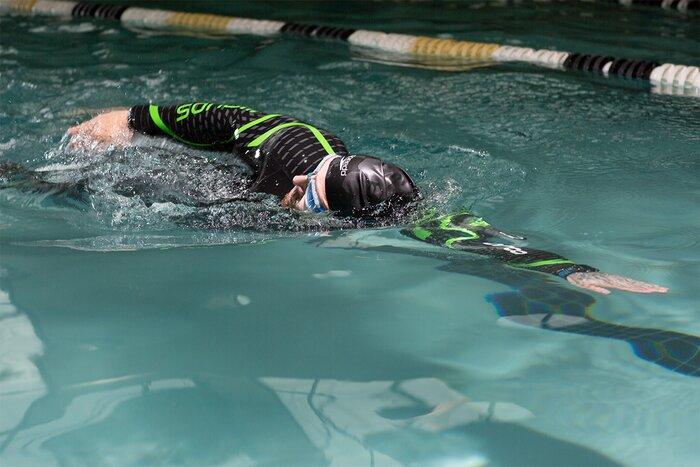 Kris Gethin swimming for cardio