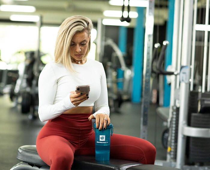 Calcule cuántas calorías necesita con la calculadora de calorías de Bodybuilding.com.
