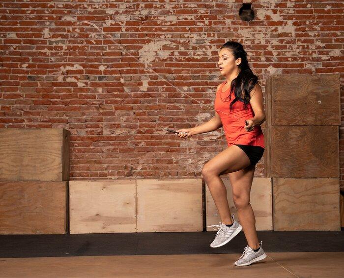 Puede hacer ejercicios cardiovasculares en los días sin entrenamiento siempre que tenga tiempo.
