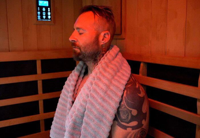 Kris Gethin in the sauna