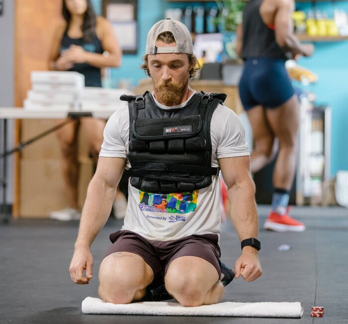 Crossfit training with a weighted vest