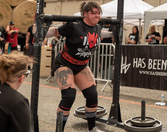 Strongwoman heavy carry