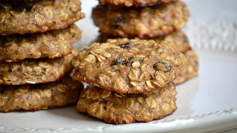 Jamie Eason's Protein Oatmeal Raisin Cookies