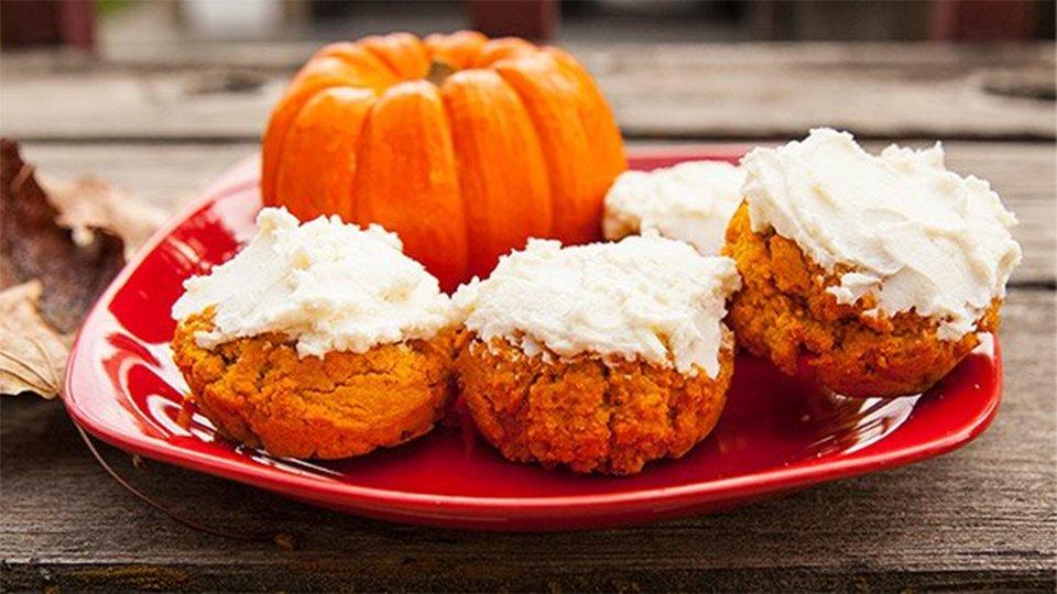 Protein Pumpkin Rolls With Protein Cream Cheese