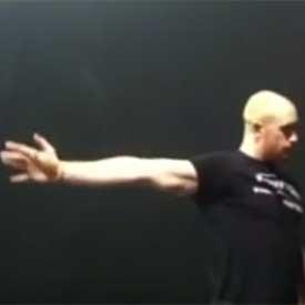Shoulder-controlled articular rotation